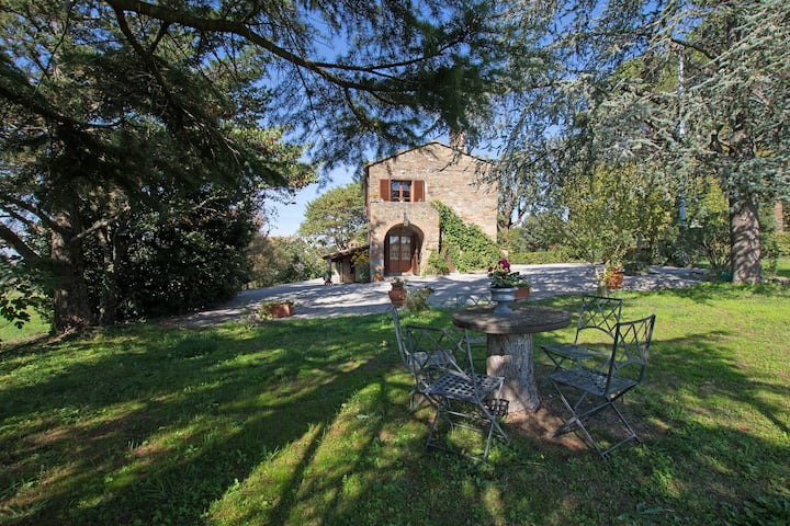 Villa Amelia, nice private villa close to Cortona