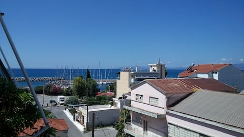 Cozy & spacious apartment(50sqm),Kalamata's Marina