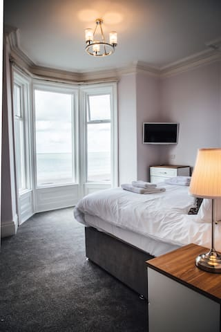 Carmel House Deluxe Super King with Sea View
