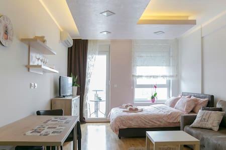 Apartment CEZAR, Novi Beograd - Belgrad - Wohnung