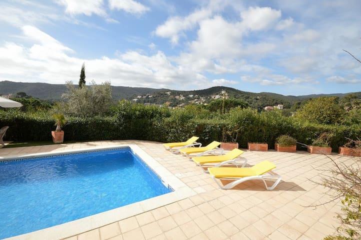 Villa Amalia, 8 persoons, prive zwembad, wifi