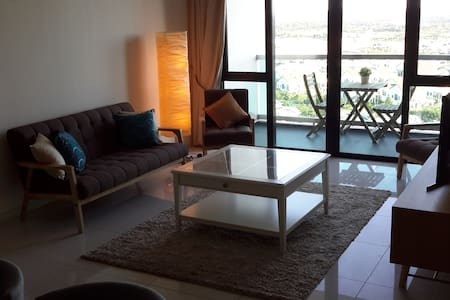 Lovely Room 5 mins from Legoland (Shared Bathroom) - Nusajaya