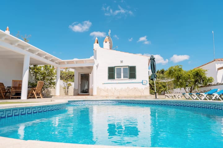 """Holiday Home """"Villa Maru III"""" with Garden, Pool, Terraces, Air Conditioning & WiFi; Parking Available"""