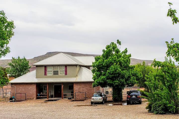 River's Edge Ranch-Entire House, Private..Peaceful