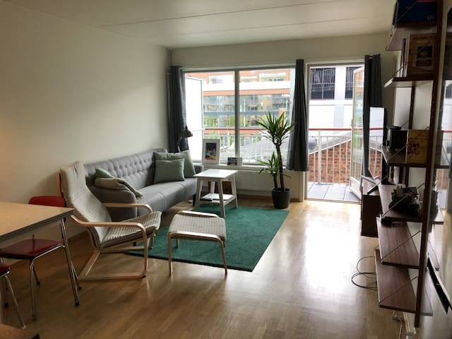 Cosy apartment, close to central station.