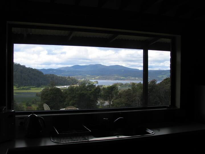 Thurlaston Cottage, Castle Forbes Bay -Huon Valley