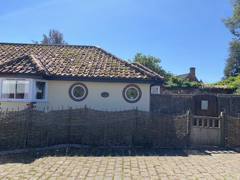 North Norfolk 2 Bed Bolthole close to beach