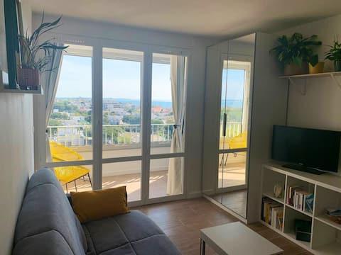 Studio sea view on the top floor + Parking + WIFI