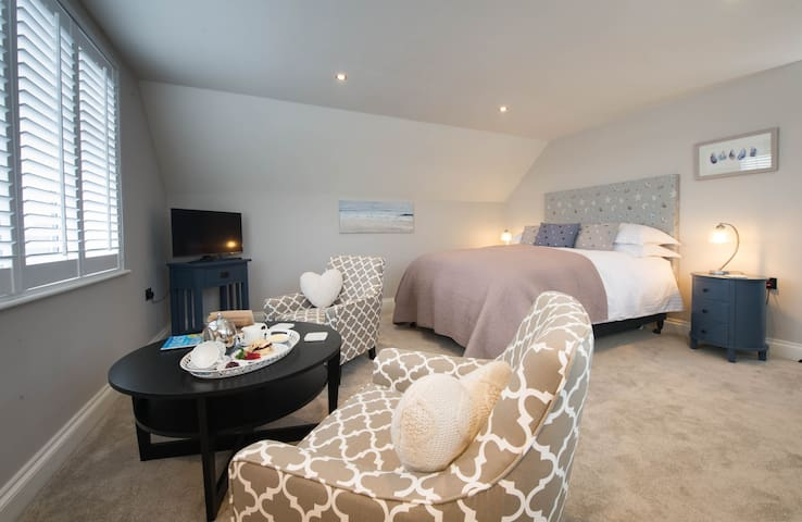 Stoney Bridge B&B, Relaxed Luxury - Moreton - Bed & Breakfast