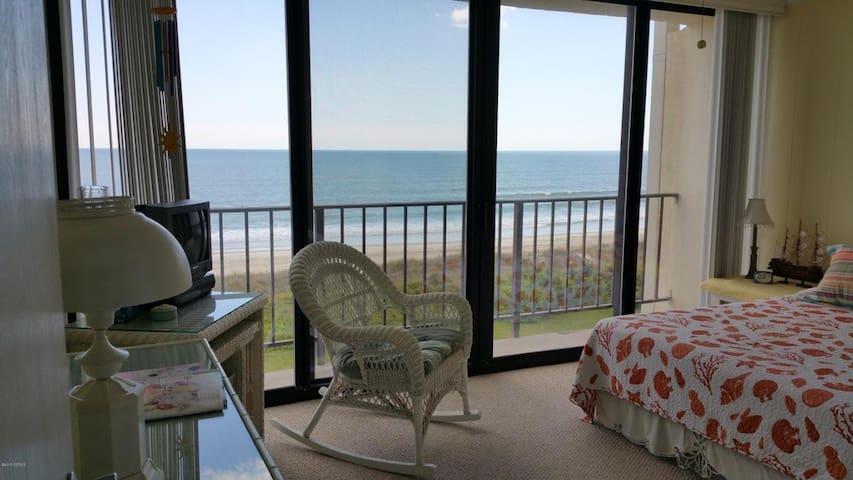 Cheerful Beachfront Condo - Atlantic Beach - Condominium
