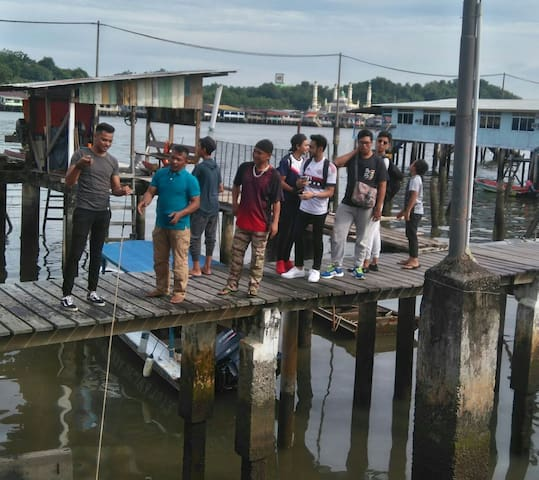 Enjoying Warisan Homestay at water village