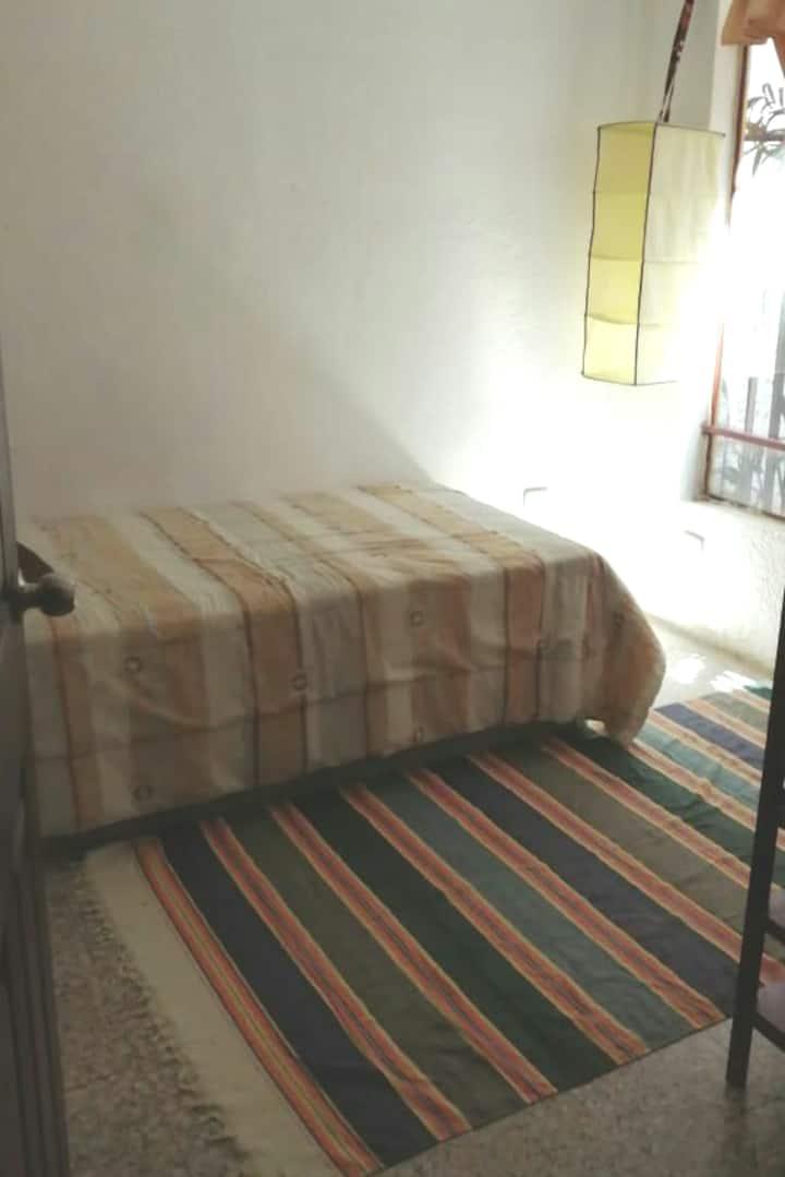 Habitación en  lugar fresco y seguro!