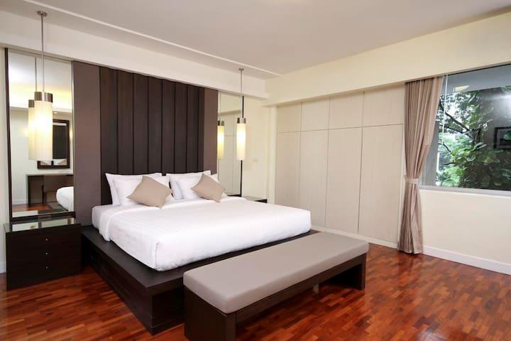 MODERN APARTMENT located in CENTRAL BKK -SUKHUMVIT - Bangkok - Apartemen