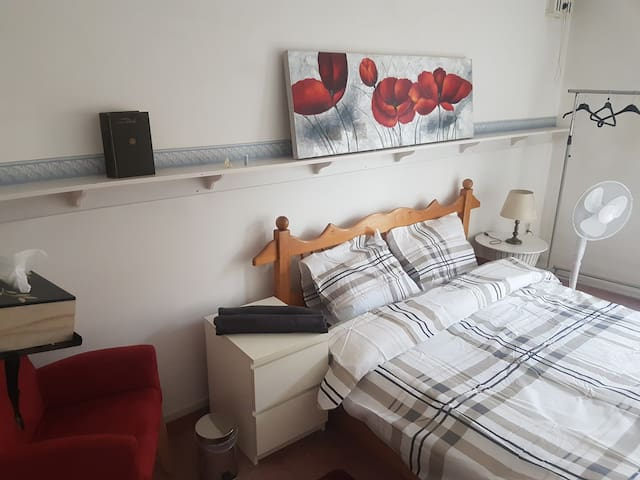 Relaxing,Central located,Private Rooms in Roermond