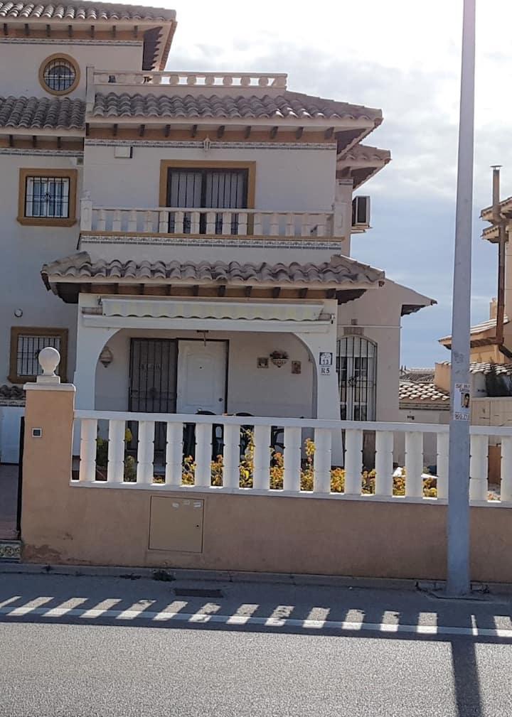 2 bed 2 bath quad villa, Lomas de Cabo Roig