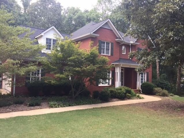 Athens-Oconee Family Friendly Neighborhood Home - Watkinsville