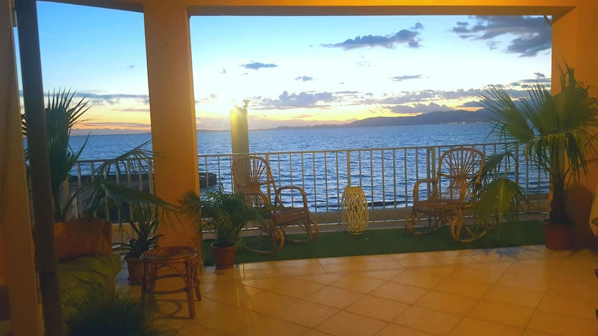 der Traum von der ersten Meeresline - S'Arenal de Palma - Byt