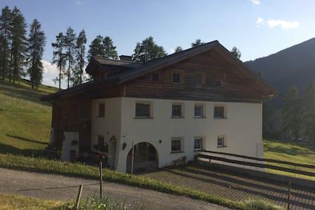 Geräumige 4 1/2 Dachwohnung