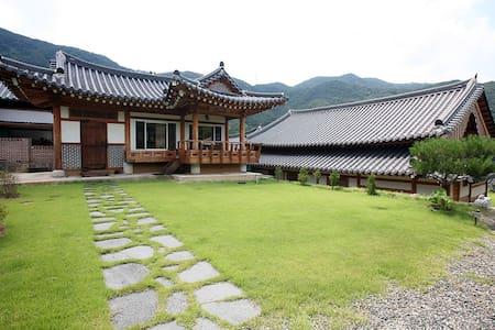 Traditional Korean House(호선당- Hoseundang)