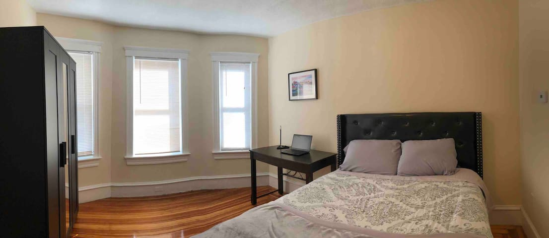 1 BED 1 BATH with Kitchen In Cambridge