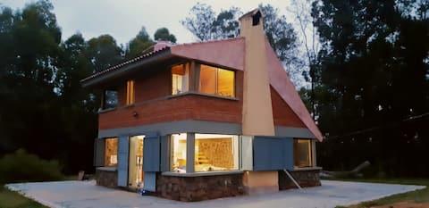 Casa de Piedra, confortable cabaña campestre.