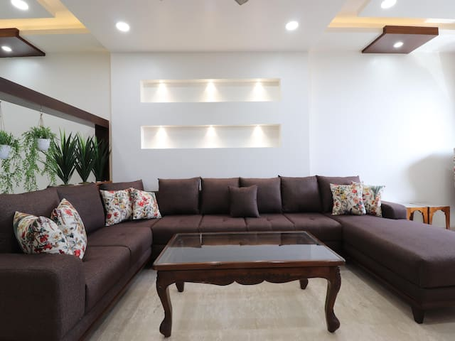 OYO - Lavish 2BR Apartment in Mussoorie-Prices Dropped!