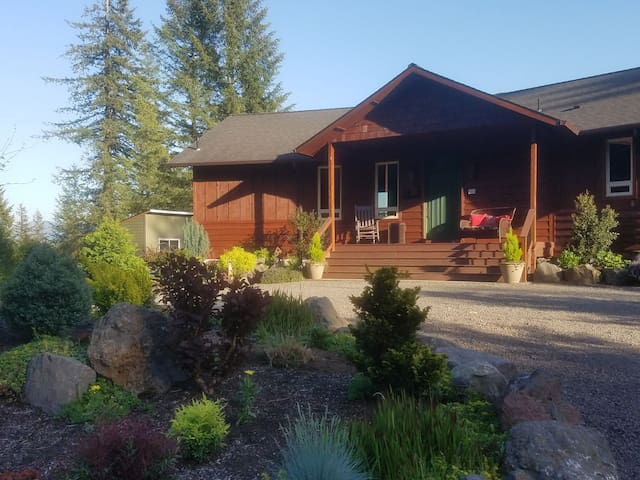 Welcome... 5 acres, fenced, private, with stunning views.