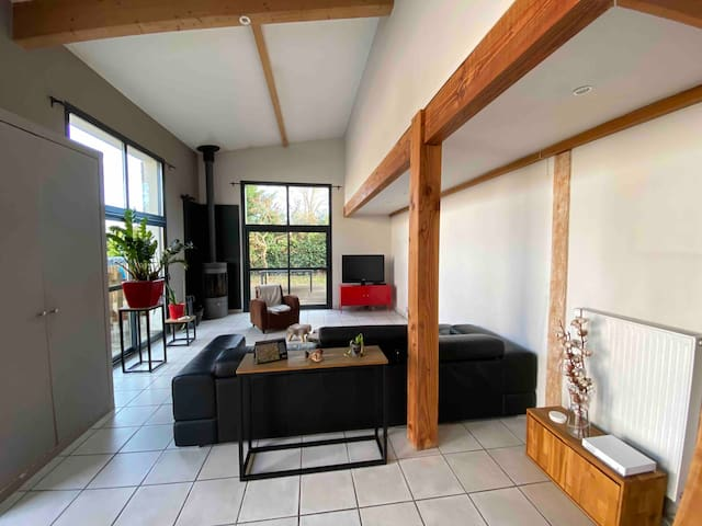 Maison mitoyenne style loft -120 m²- piscine