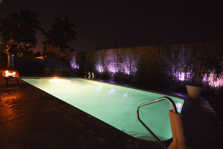 One of a kind Villa 9 W/ Pool, minutes from beach. - Hollywood - Haus