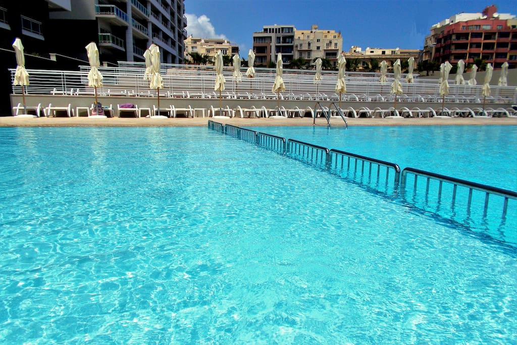 The complex large residential pool - kids area