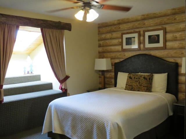 Comfy Queen Sized Bed! - Stoneridge Resort