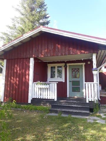 Enfamiljshus med Klövsjös vackraste utsikt.