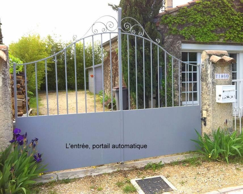 Entrée et parking privé