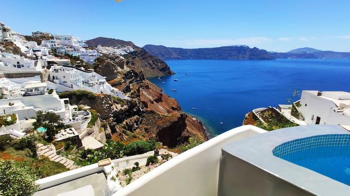 100%  private VILLA , sea view, hot plunge pool