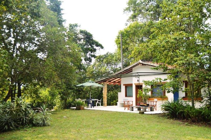 Hermosa casa de campo en La Mesa, cerca a Bogotá