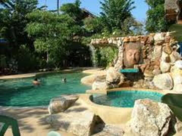 Shanti Lodge Phuket: Adjoining Family Room