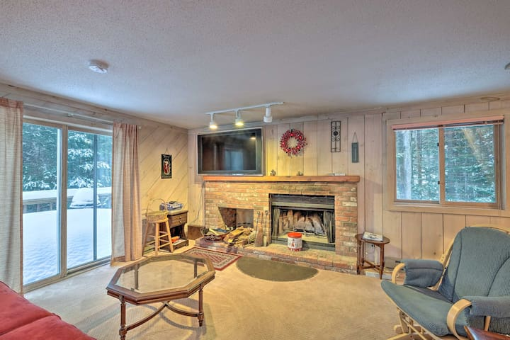 NEW! Cozy West Dover Home - 3 Miles to Mount Snow!