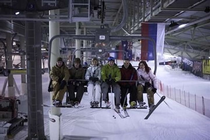 Snowworld Indoor ski Landgraaf 10 auto min/ 6 km vanaf Brunsssum