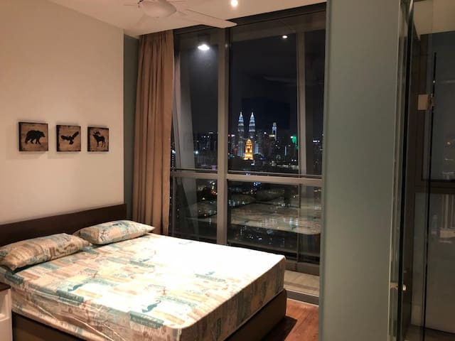 COZY ROOM WITH KLCC VIEW @ THE FENNEL