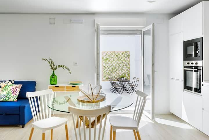 Casa independiente a estrenar con patio. UVT01022