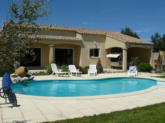 Jolie maison provençale proche d'Avignon - Rochefort-du-Gard - Apartmen