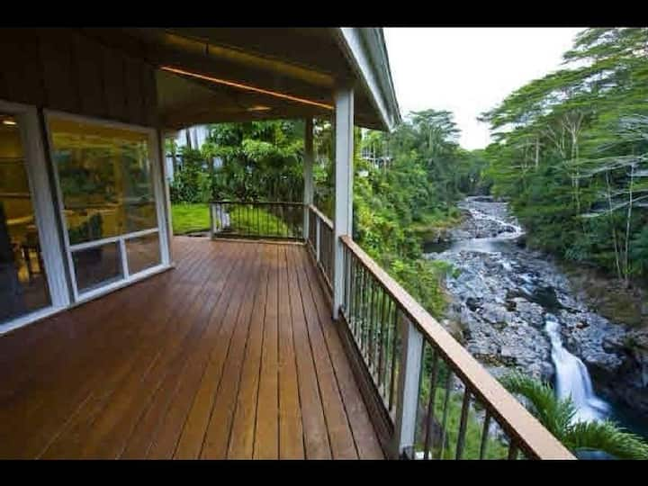 The Waterfall Retreat  at Reed Island