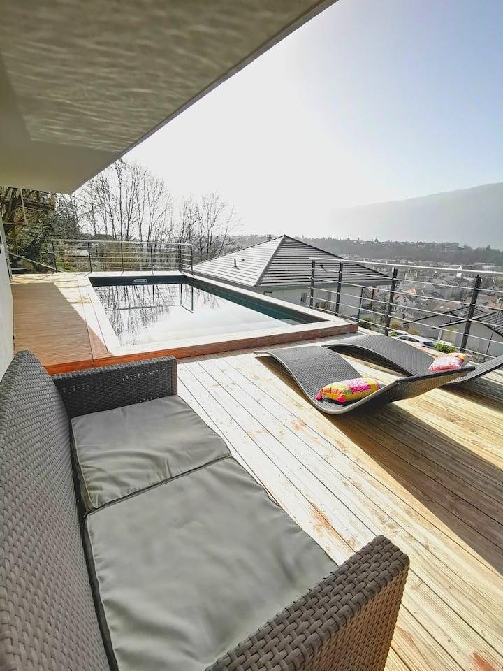 Studio proche centre, au calme, terrasse vue lac