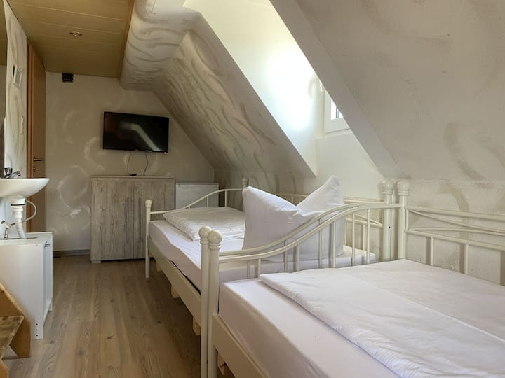 Zimmer in Wackersdorf für zwei Personen (WA116)