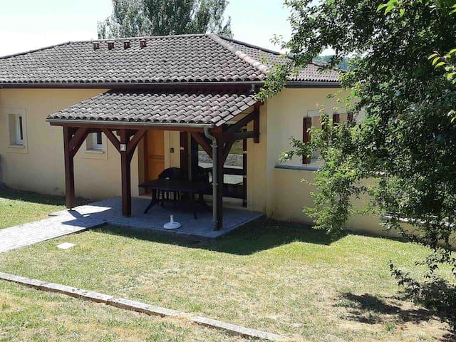 NEW Maisonnette /résidence avec piscine/WIFI
