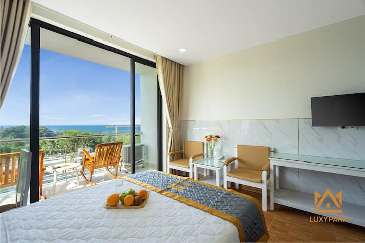 Iris Ocean view Free Breakfast &Pool&Cleaning room