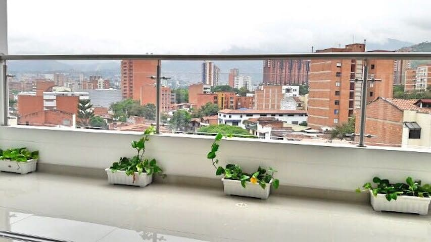 #1 FREE BREAKFAST & AMAZING BEDROOM! - Medellin - Apartament