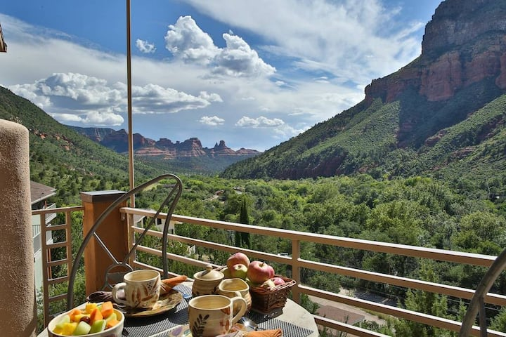 Sedona's World Famous Oak Creek Canyon Villa - 180 VIEWS w/ 3 guest suites