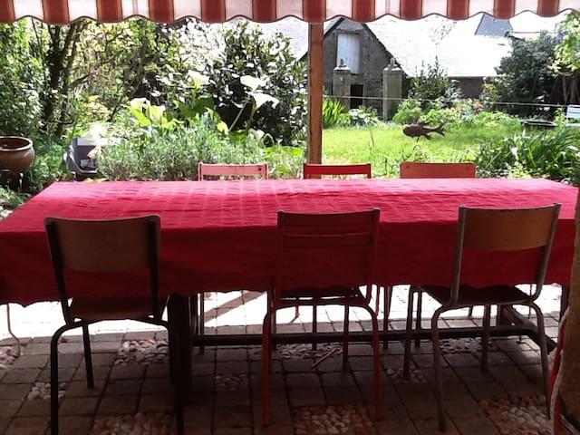 maison familiale dans un village - Corseul