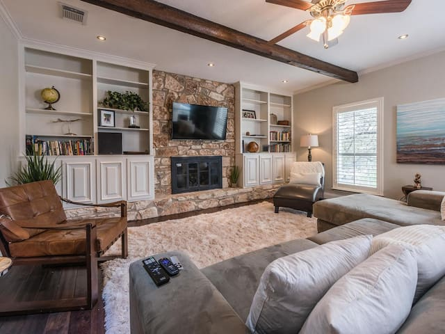 Large luxury house,close to downtown, Zilker (ACL)